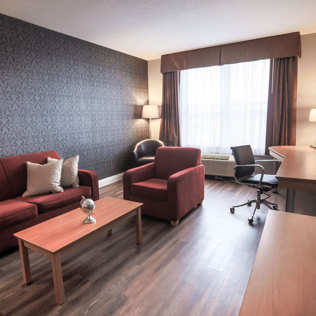 Executive King Suite - Living Room 3