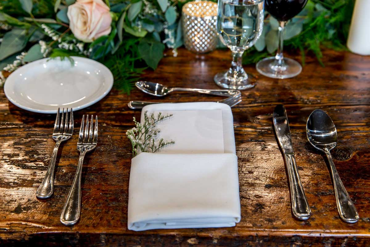 Table Setting Rustic Theme