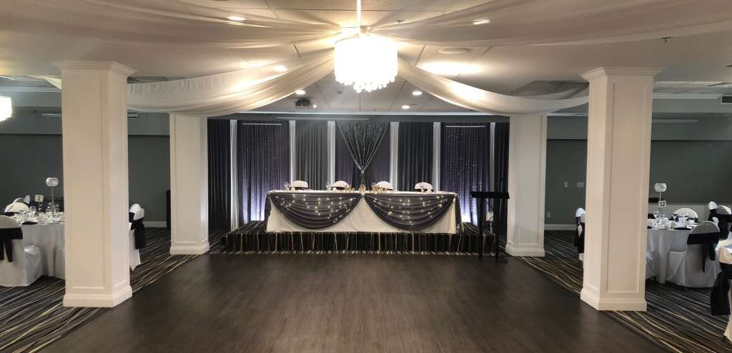 Ballroom - Back Drop with Head Table cropped